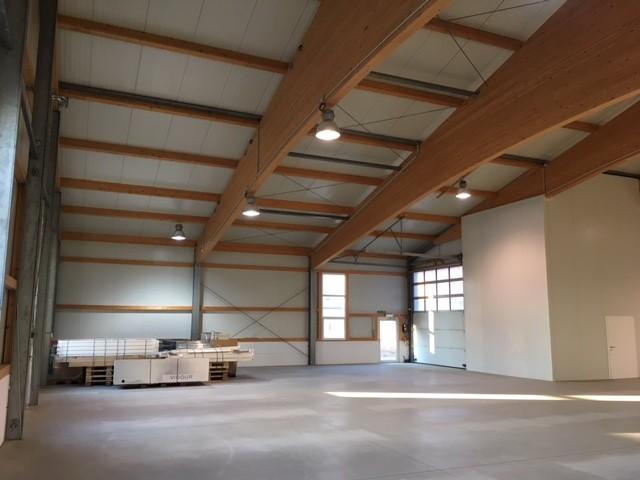 Miete - 700 m² ABHOLMARKT/SPORT-EVENTHALLE - ZENTRUMSNAH UND NÄHE A1 im Raum St. Pölten (Objekt Nr. 050/01872)
