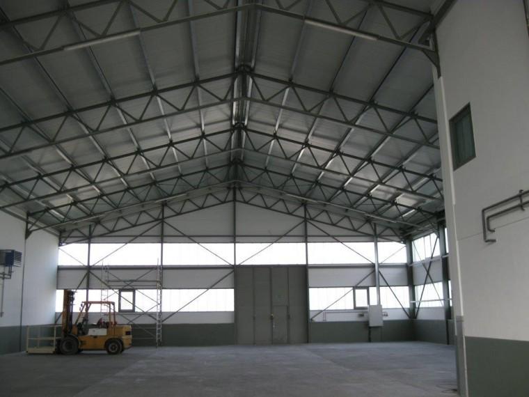 Kaufobjekt, Universalhalle ca. 700 m² mit Freifläche ca. 1.500 m², Bereich Fischamend-Schwadorf (Objekt Nr. 050/01879)