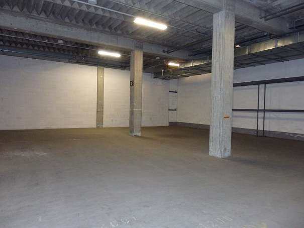 Miete, KLEINE LAGERFLÄCHE ca. 170 m² IM INDUSTRIEGEBIET - 1210 Wien - Strebersdorf (Objekt Nr. 050/01880)
